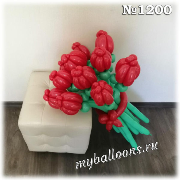 Красный тюльпан из воздушных шаров