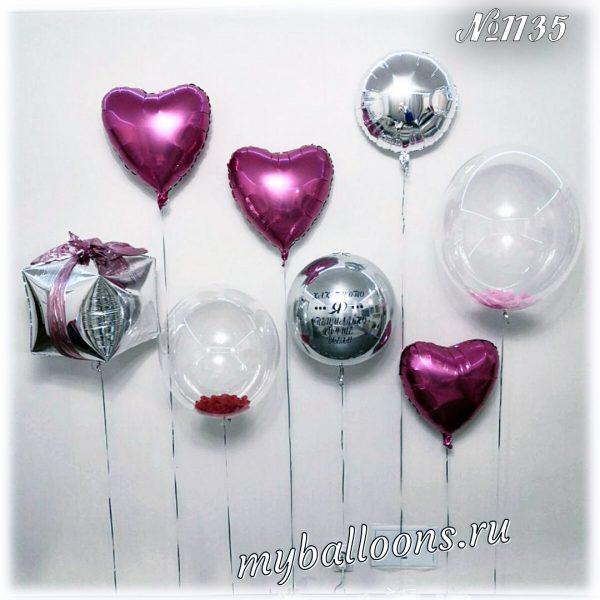 Большая композиция из прозрачных шаров и сердец