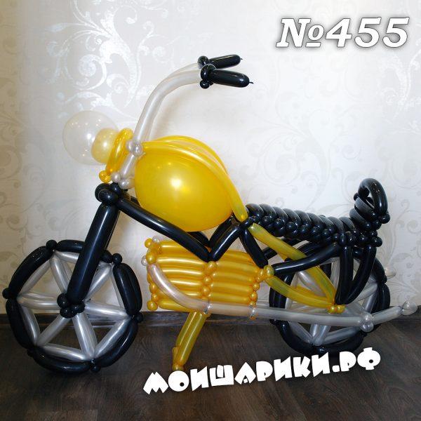 золотой мотоцикл из воздушных шаров