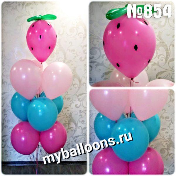 Фонтан из воздушных шаров с клубникой