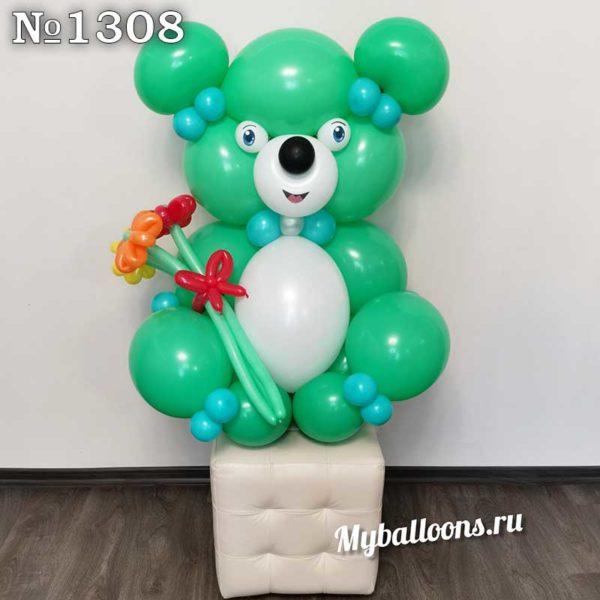 Большой медведь из воздушных шаров