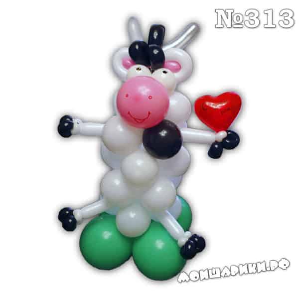 Коровка из воздушных шаров